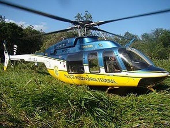 Cmt Cardona no comando bo Bell 407 em sua missão de resgate aeromédico.