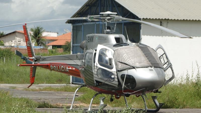 http://www.pilotopolicial.com.br/wp-content/uploads/2011/05/helicopteroiguatu.jpg