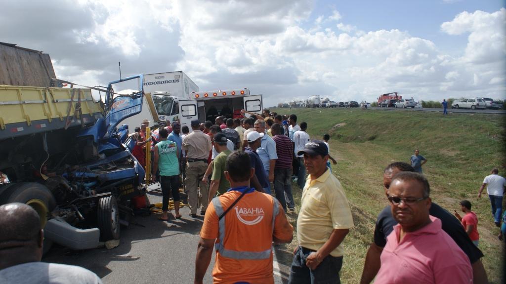 GRAER/BA resgata vítima de acidente na BR-324