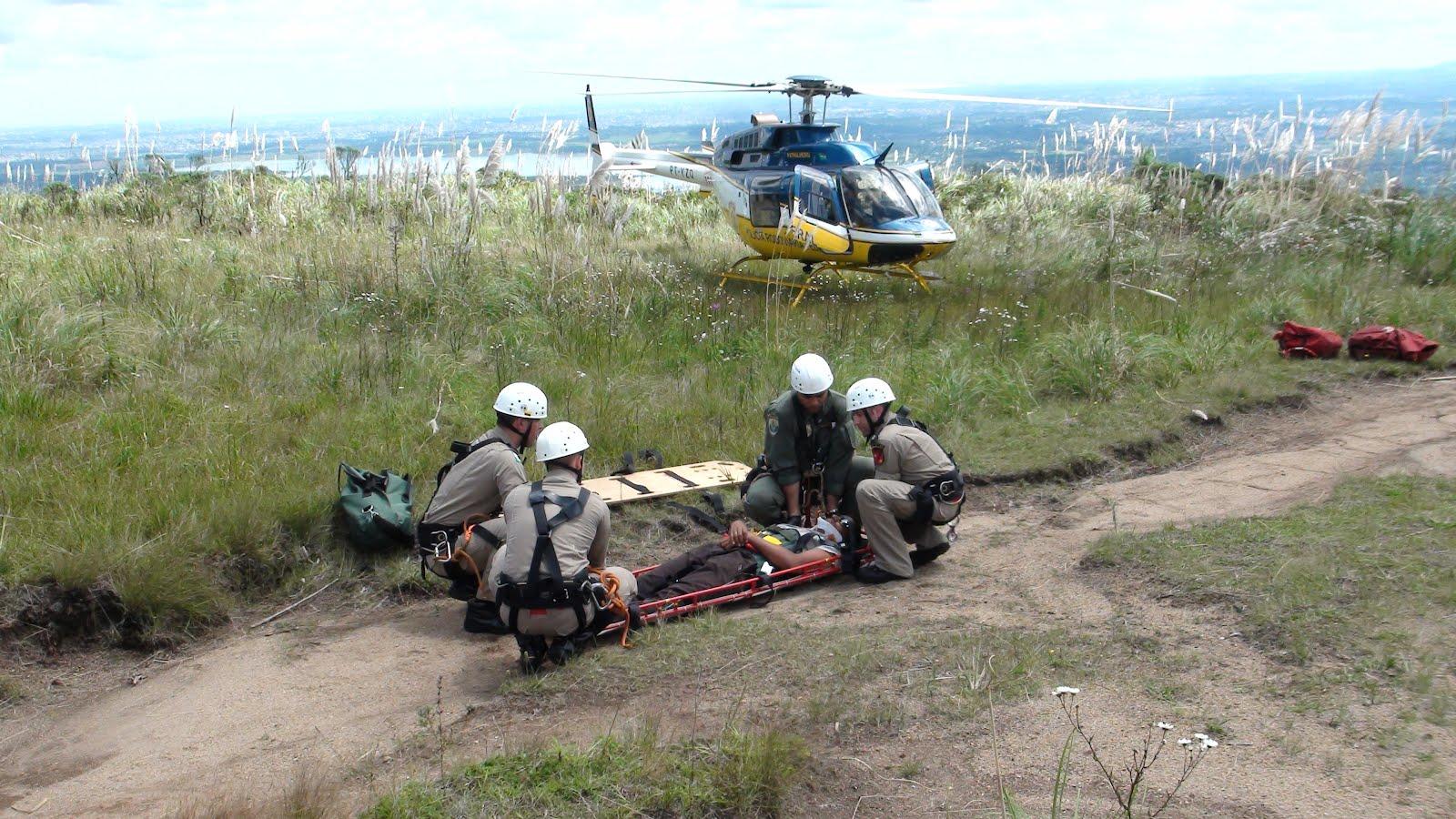 A aeronave foi acionada para resgate de uma vítima que havia caído em uma fenda de aproximadamente 7 metros, no morro do Anhangava, a aproximadamente 4692 ft de altitude. Já na triagem da ocorrência foi informado que o local era de difícil acesso por terra, fato que ocasionou o acionamento de diversos órgãos especializados para este tipo de resgate. Foram acionados o Grupo de Operações de Socorro Tático (GOST), Grupamento Aeropolicial - Resgate Aéreo do Paraná (GRAER) e a Base Paraná da Divisão de Operações Aéreas (Base DOA-PR).