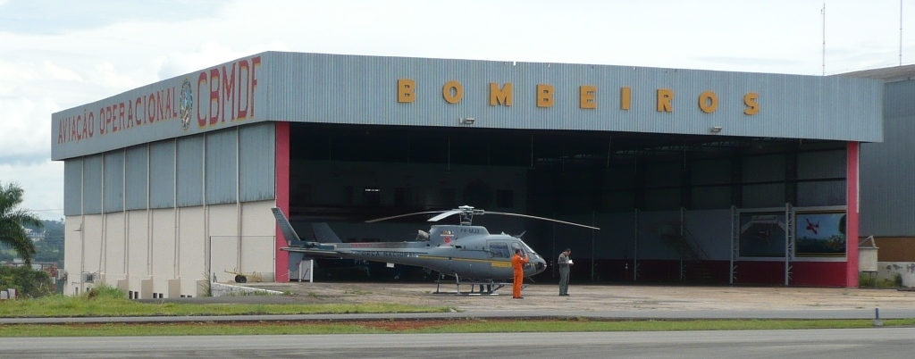 Hangar do CBMDF no Aeroporto Internacional de Brasília. Foto: Eduardo Alexandre Beni.