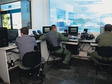 A sala de controle no Campo de Marte: plantões a partir das 6 da manhã. Foto: Cida Souza
