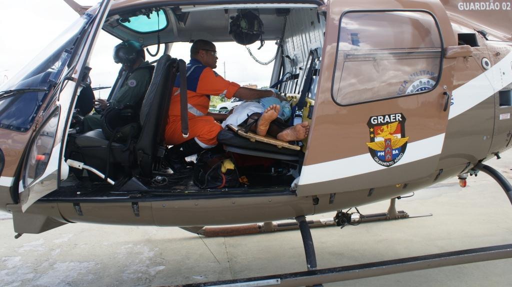 Tratava-se de um acidente automobilístico envolvendo uma ambulância na BR – 324, no sentido Salvador/Feira, a altura do Centro Industrial de Aratu (CIA), próximo ao 10º GBM.
