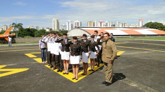 O Grupo de Louvor do CPMG-HUGO acompanhados do Major Ubiratan, marcou presença em um importante evento da Polícia Militar do Estado de Goiás. Trata-se do Culto realizado no GRAER/GO ( Grupo de Rádio Patrulha Aérea ).