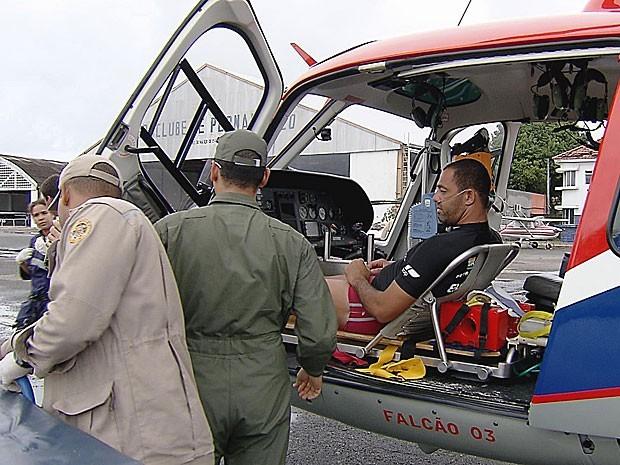Três homens foram resgatados nas imediações de Muro Alto e seguiram de helicóptero para o Aeroclube de Pernambuco