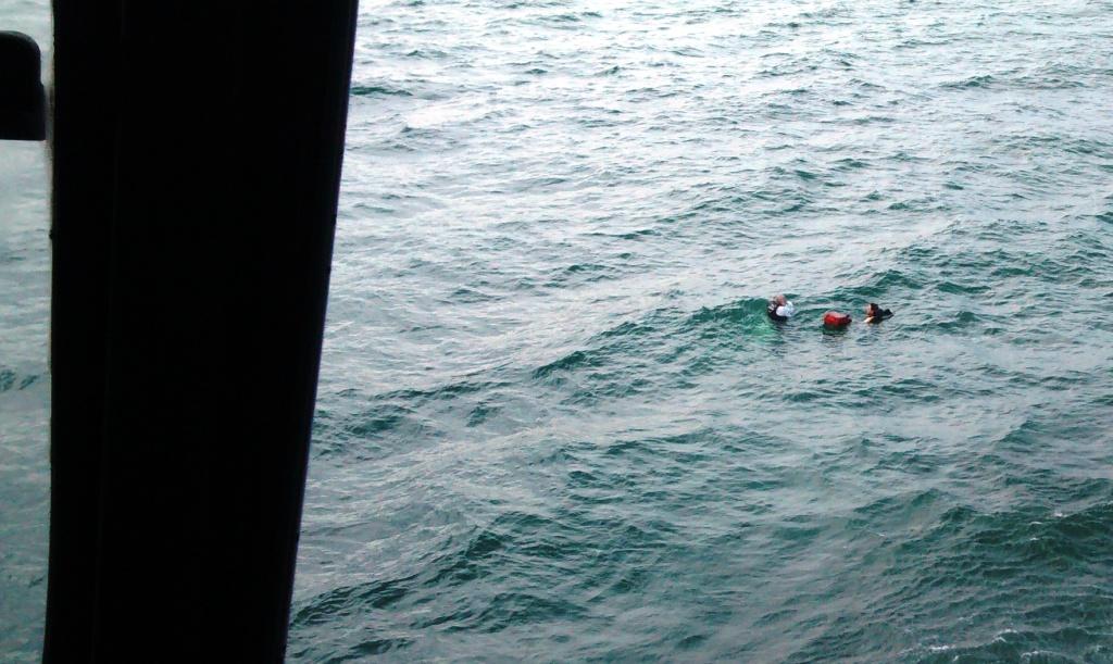 localiza e salva dois tripulantes de embarca o a deriva em bertioga