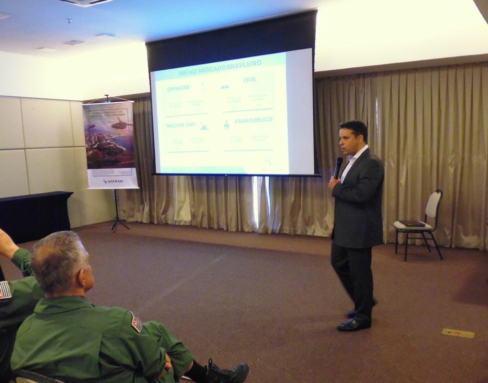 Roberto Pagano da Safran em sua apresentação. Foto: Eduardo Alexandre Beni.