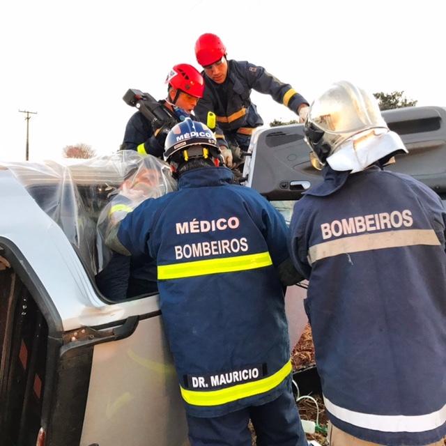 Helicóptero Saúde 03 resgata vítima de capotamento na PR-461