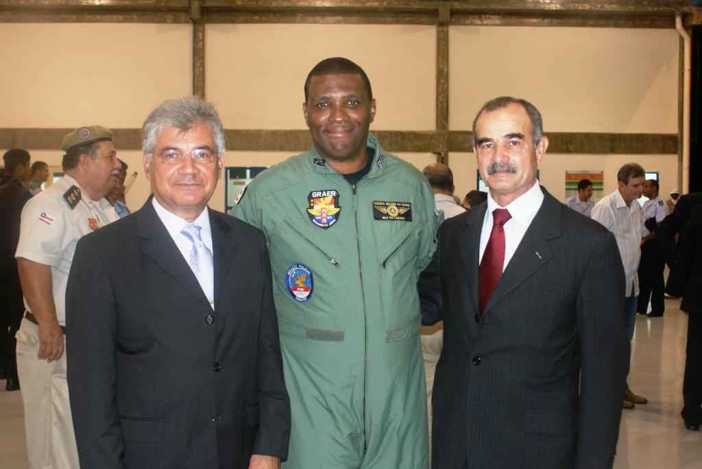 Cmt do GRAer, Maj PM Lazaro, acompanhado do Cmt Bosco e do Ten Cel PM Otacilio (PMESP). Ambos tiveram participacao especial no PROJETO GRAer da PMBA.