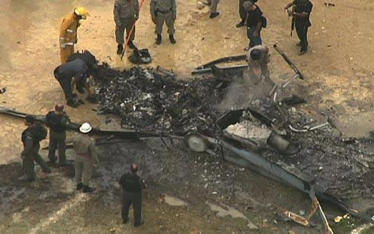 Aeronave AS 350 após queda no Rio de Janeiro