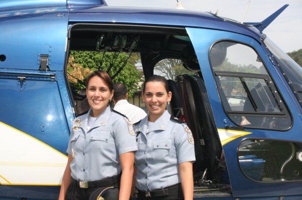 Formandas do Curso de Piloto de helicóptero minitrado pela Escola de Aviação do GAM da PMERJ
