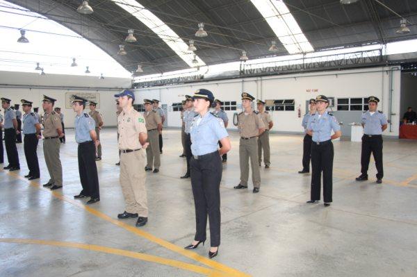 Formando do Curso de Piloto de helicóptero minitrado pela Escola de Aviação do GAM da PMERJcruso