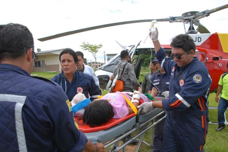 No 7º BEC, a vítima foi recebida pela equipe do SAMU (Foto: Angela Peres/Secom)