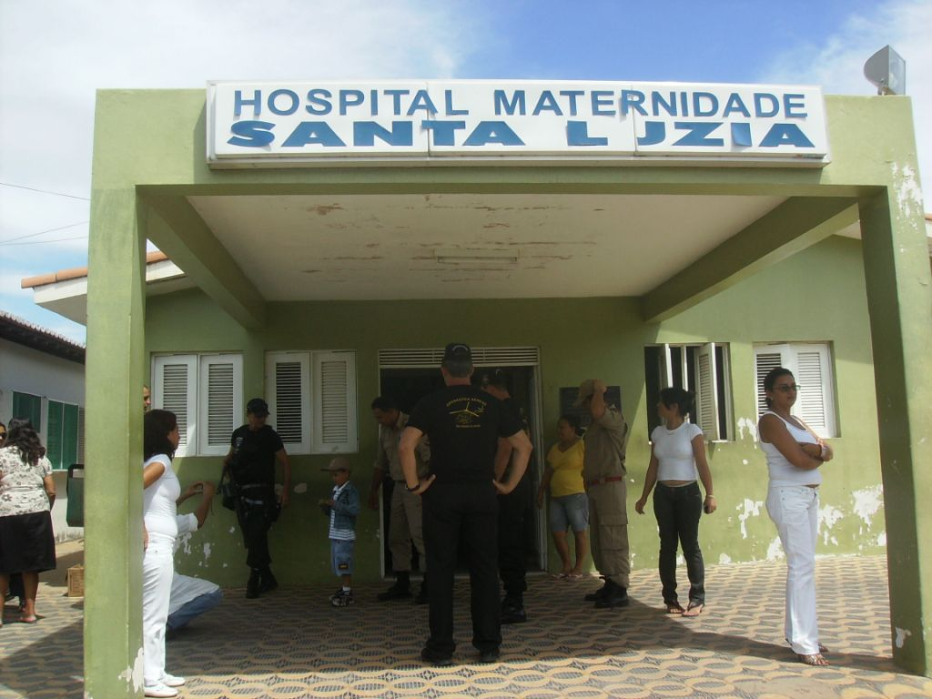 Resultado de imagem para foto da maternidade santa luzia de carnaubais