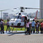 Crianças de entidade de Santos conheceram a BRPAe Praia Grande