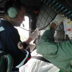 2ª Companhia do Batalhão de Aviação da PMSC atendendo vítima de queimadura no município de Barra Velha