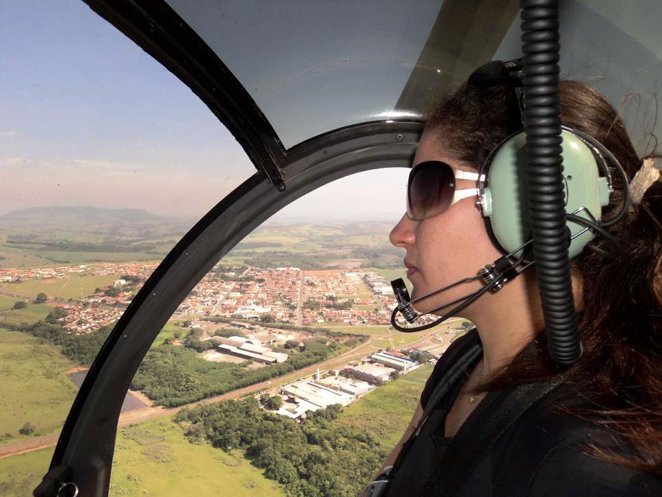 1º Ten BM DANIELE CRISTINA DE LIMA concluiu com sucesso o curso de piloto de helicóptero na Escola de Aviação Edra Aeronáutica em Ipeúna – São Paulo.