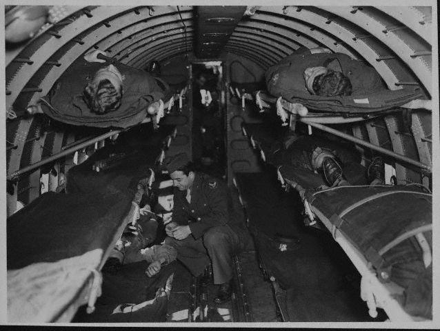 Avião utilizado na 2a. Guerra Mundial para remoção de feridos.