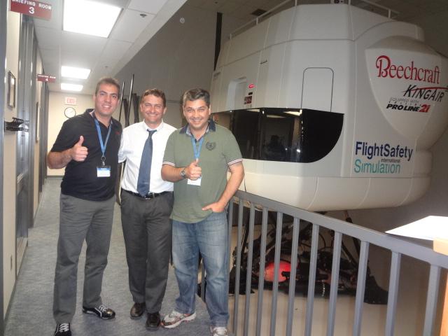 Pilotos do GRPAe realizam recheque de King Air B200 GT nos EUA