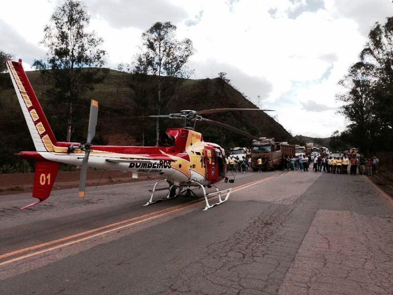 Arcanjo 1 socorre vítima de capotamento na BR 040, em Minas Gerais