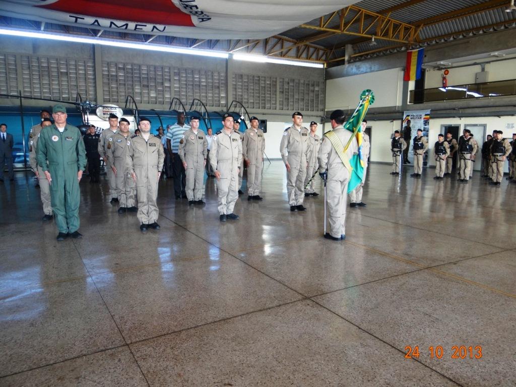 Entrega de medalhas de mérito militar grau bronze e grau prata aos militares da unidade