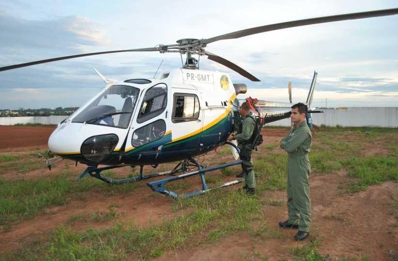 Helicóptero do Ciopaer reforça busca a bandidos que roubaram banco em Trivelato