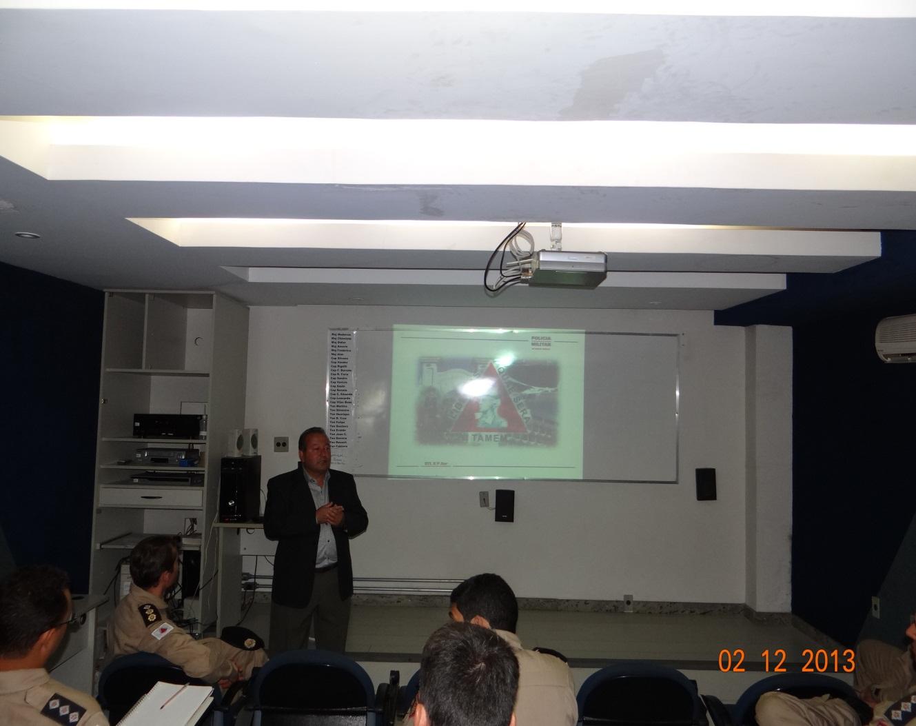 A Aula Inaugural do Curso Teórico de PC foi proferida pelo Cel PM QOR Josué Martins Fontana, um dos primeiros Pilotos da PMMG e ex-Comandante do Btl Rpaer