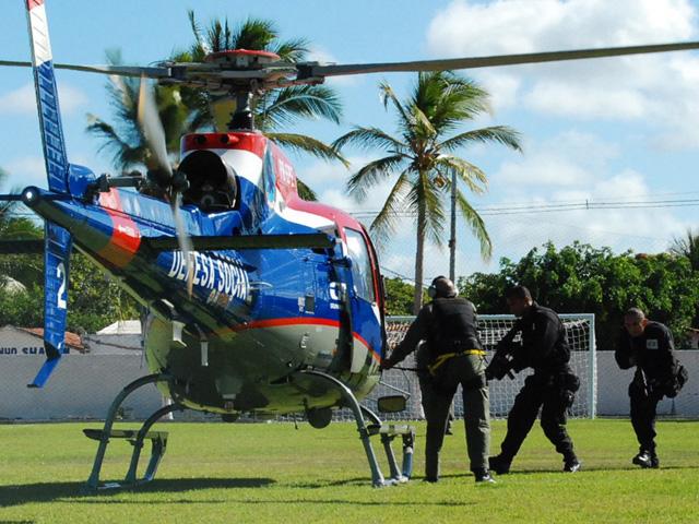Helicóptero-treinamento-Acadepol-10.12.2013-120