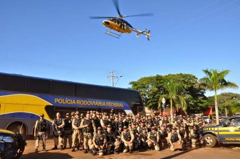 Helicóptero participa da Operação Prometeu em Mato Grosso do Sul.