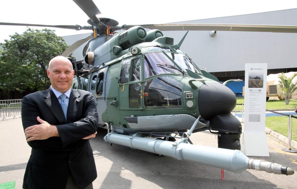 Eduardo e helicopteros LAAD_Eny Miranda