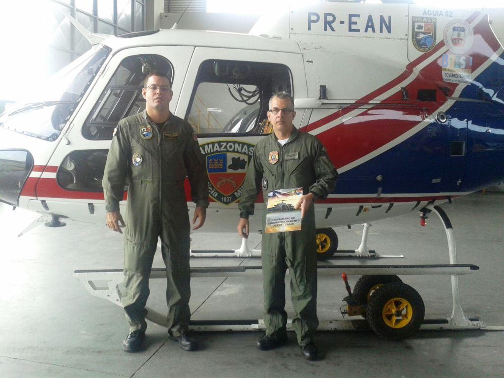 Diante de solicitação feita pelo Departamento de Polícia Federal à Secretaria de Segurança Pública do Amazonas, o Agente de Polícia Federal George Rodrigues Ribeiro, realizou, entre os dias 10 e 14 de agosto de 2015, no GRAER/PMAM, a revalidação de tipo H350 e de INVH, cumprindo assim as novas exigências da RBAC 61. Foram realizadas instruções diurnas e noturnas e o voo de check propriamente dito, além disso, o referido Policial Federal recebeu um refreshment do manual do Esquilo AS350. VOAR, PROTEGER E SALVAR!