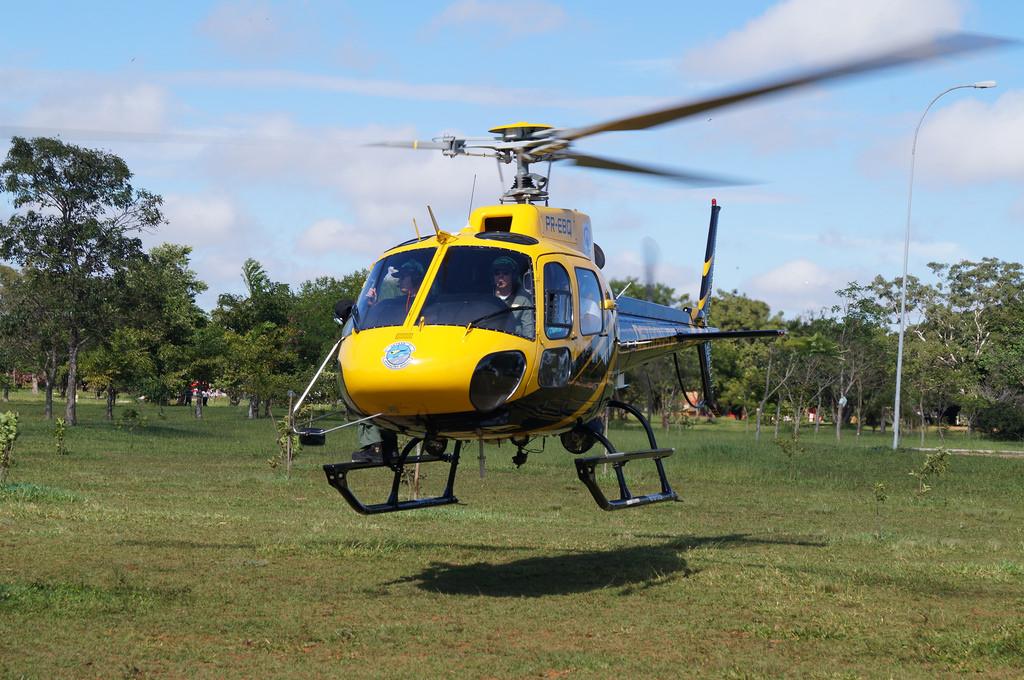 Helicóptero DETRAN DF