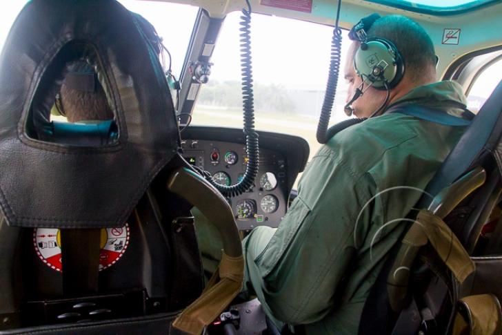 Coronel Zanca apresenta o Águia 04, um dos helicópteros usados na ronda em Cuiabá