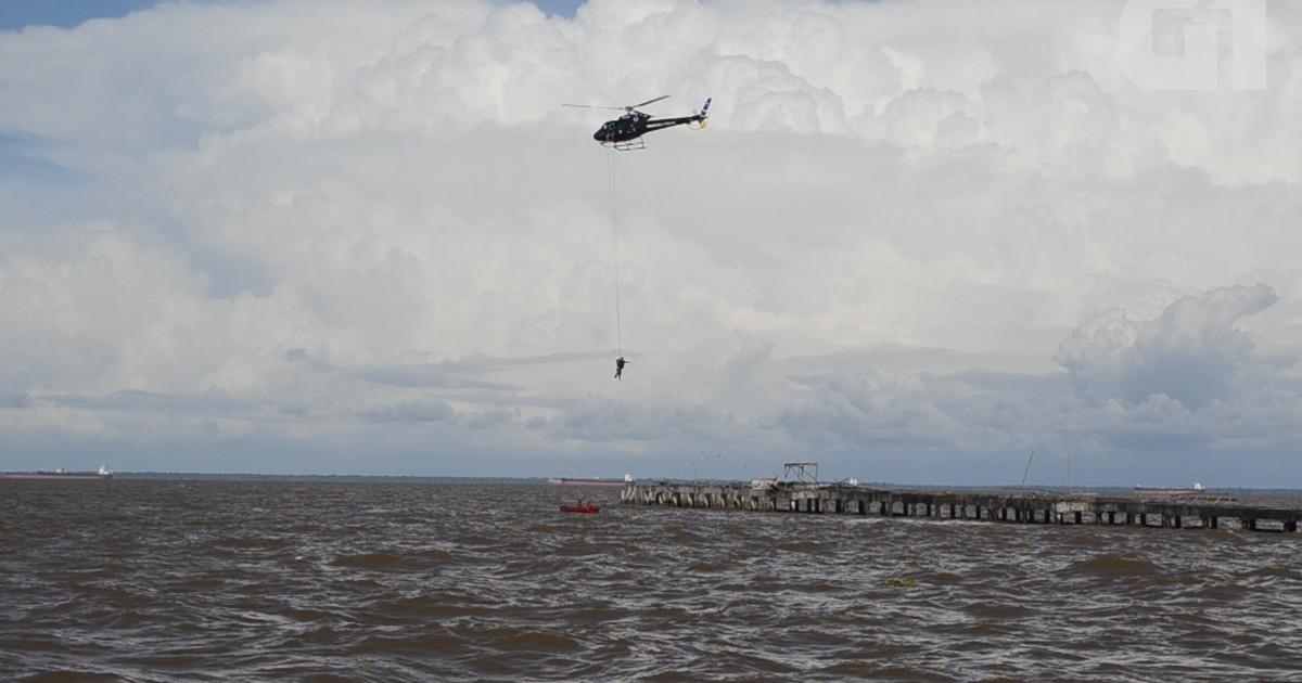Salvamento aquático foi tema de treinamento no rio Amazonas (Foto: Fabiana Figueiredo/G1)