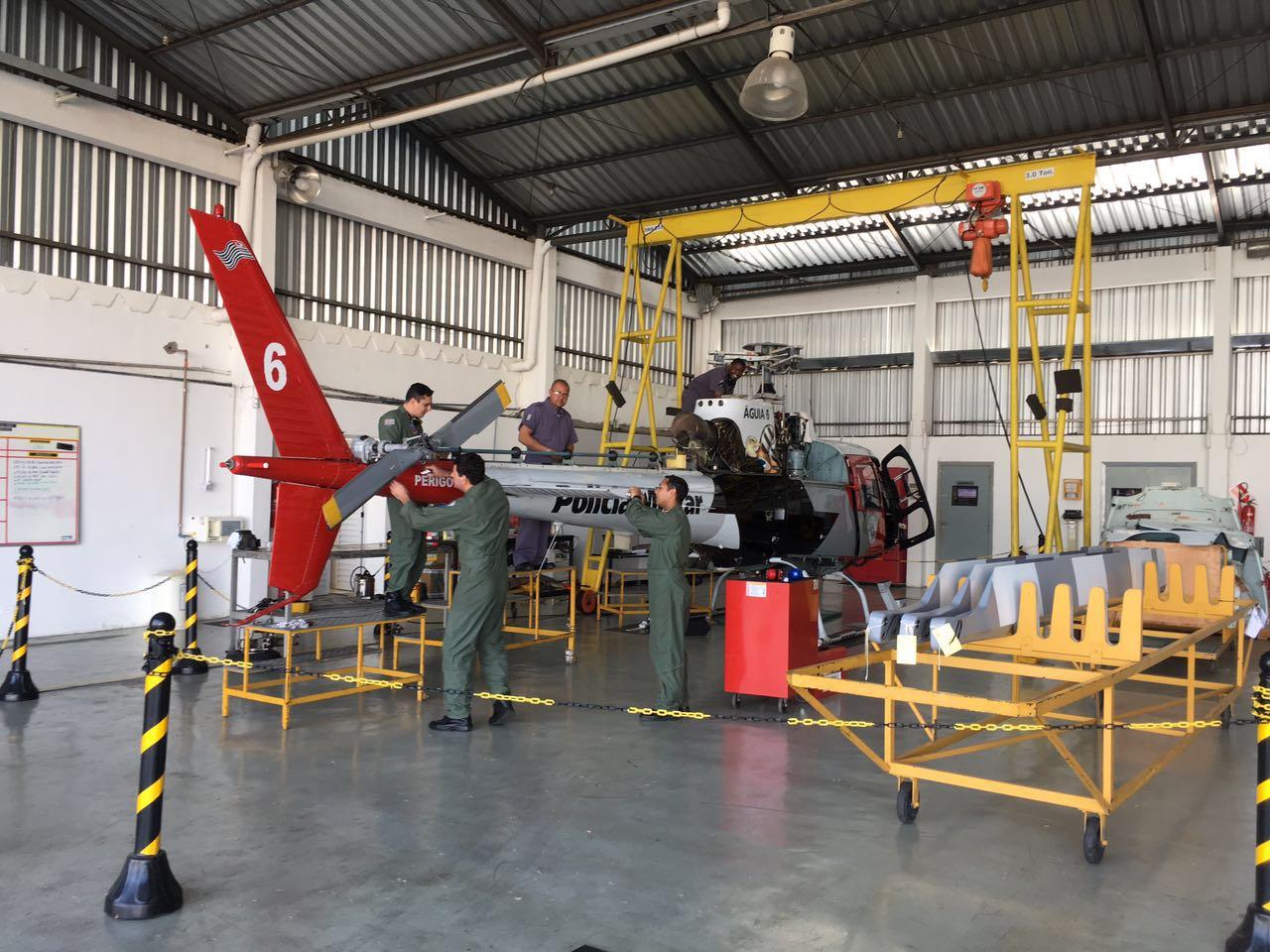 Na semana passada foi a vez do Águia 06, onde mecânicos de manutenção aeronáutica da Divisão de Manutenção do GRPAe realizaram a terceira manutenção de 150h.