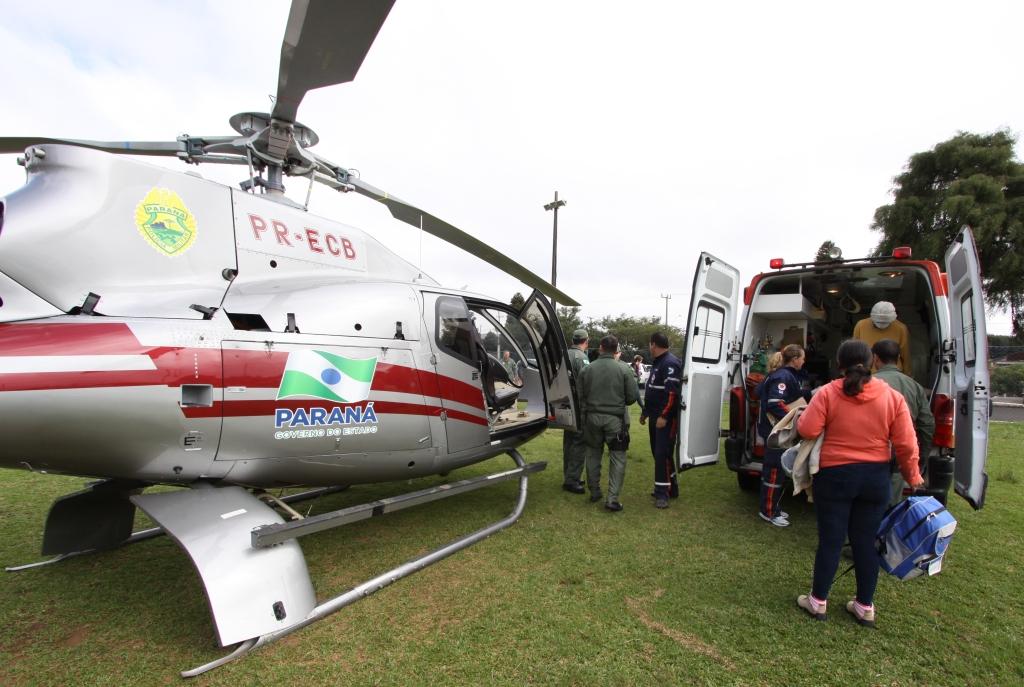 Graer realiza transporte aeromédico do paciente Luiz Carlos Marcondes Junior para Curitiba.Guarapuava, 11/06/2014.Foto: José Gomercindo/ANPr