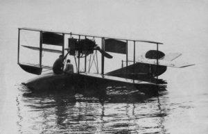 Curtiss Modelo F 1914, o primeiro avião da Aviação Naval brasileira. (Foto: ComForAerNav)
