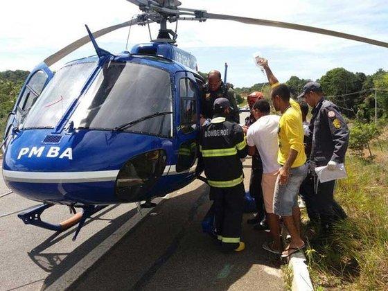 GRAerPMBA resgata vítima de acidente automobilístico na BA099
