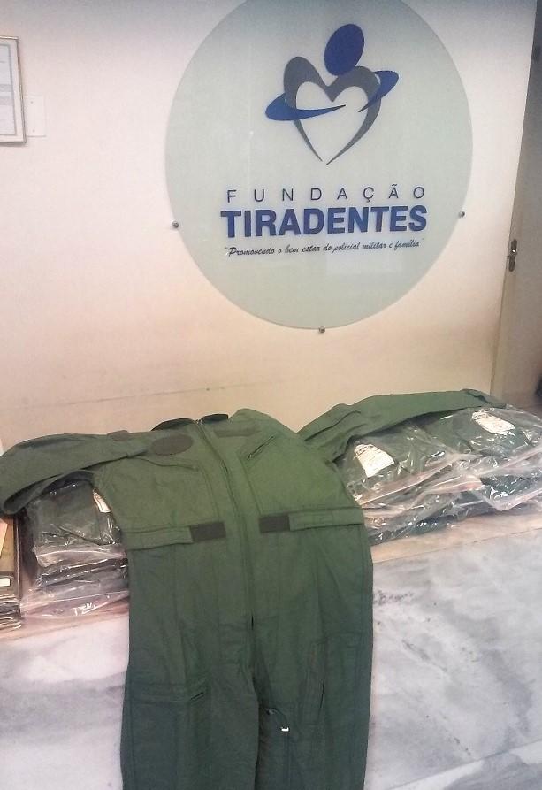 Fundação Tiradentes entrega novos exemplares de fardamento ao Graer/GO