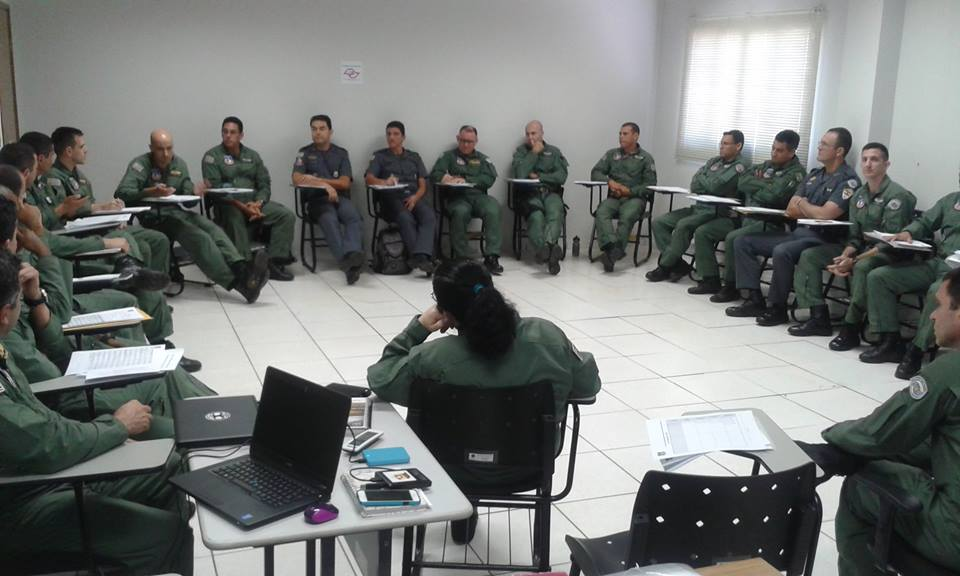 Grupamento Aéreo realiza CRM na Base de Rio Preto