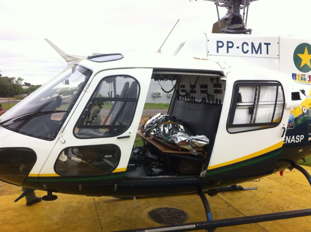 Índio foi resgatado de helicóptero após ser atacado por arraia (Foto: Divulgação/Ciopaer)
