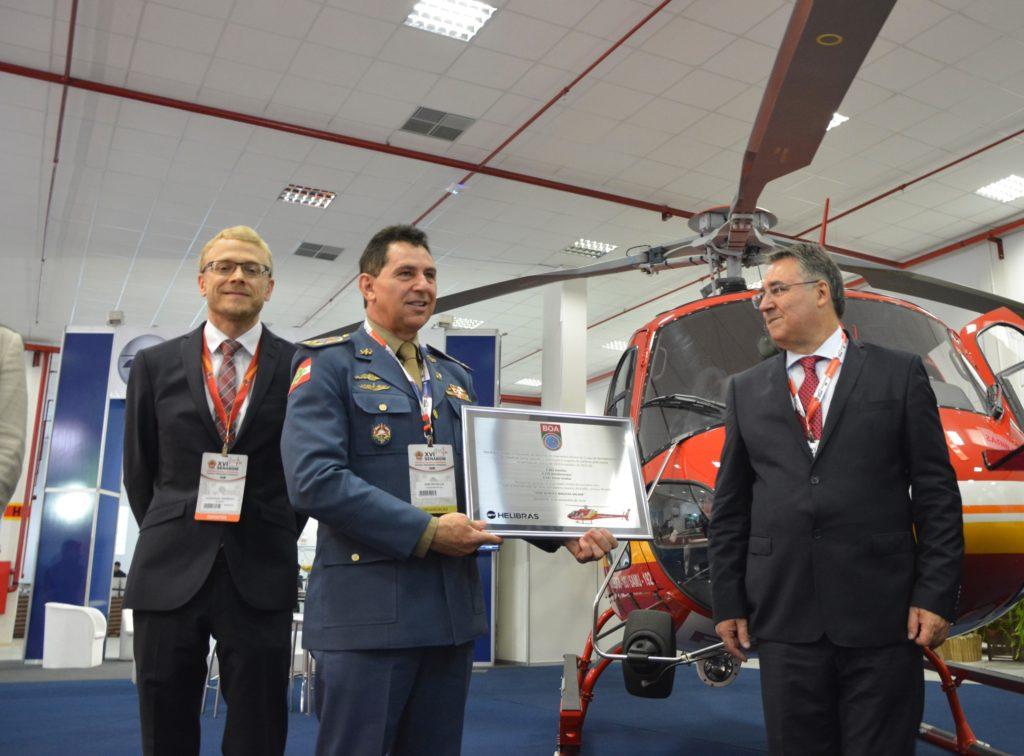 Helibras participa do Senabom e entrega novo Esquilo ao Corpo de Bombeiros de Santa Catarina