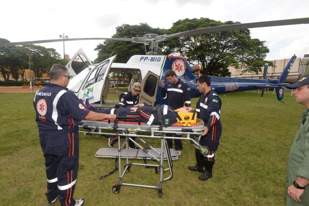 Treinamento para profissionais que atuarão no helicóptero de resgate.Maringa,24/11/2016 Foto: Venilton Küchler