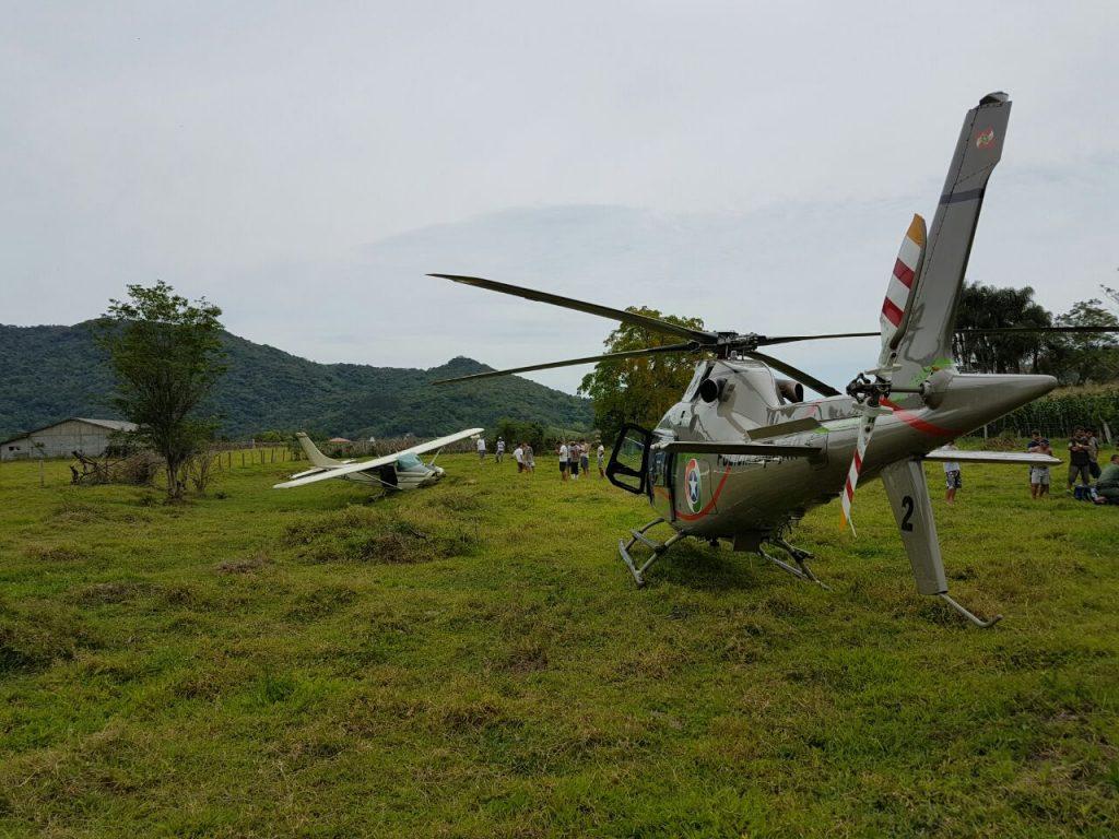 Águia 02 resgata piloto de avião acidentado nas imediações do Aeroclube Santa Catarina