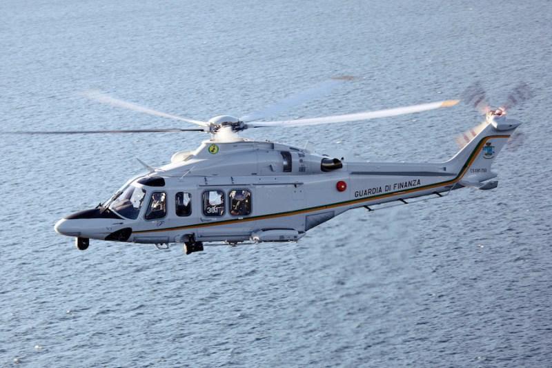 Polícia de Fronteiras italiana encomenda novos Leonardo AW139