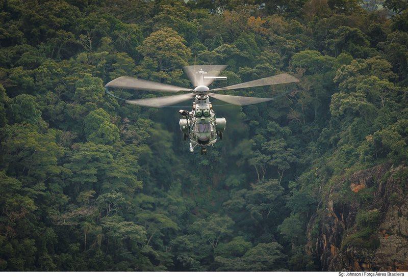 Helicópteros da FAB completam 150 mil horas de voo