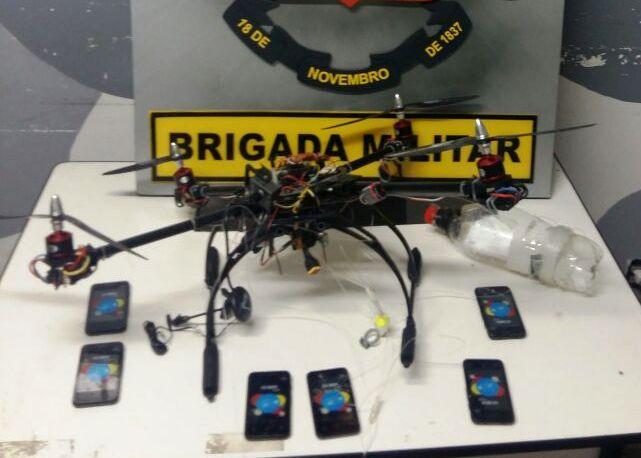 Brigada Militar apreende drone com seis celulares na parte externa da penitenciária de Charqueadas