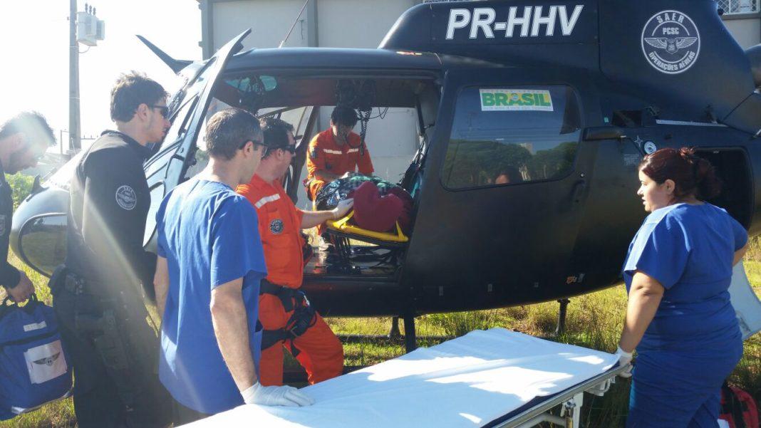 SARA e SAERFron auxiliam no resgate e transporte de vítima presa em ferragens