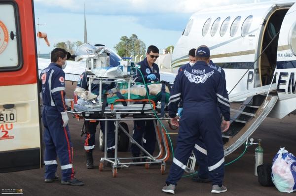 Helicóptero do Consamu realiza transporte aeromédico de pacientes graves no Paraná