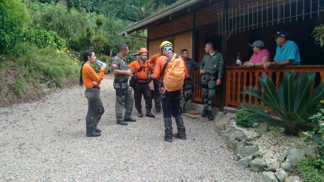 Grupo de Resgate em Montanha encontra corpo de músico no Rio da Prata